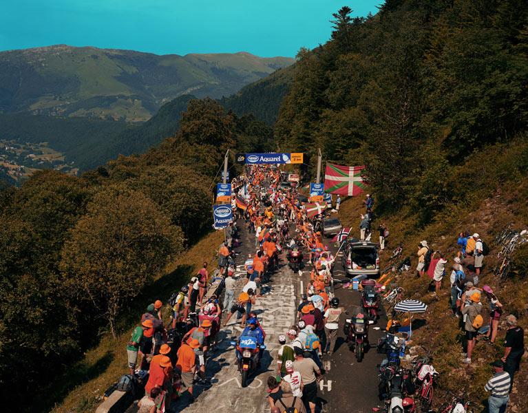 Le-Tour-de-France-dans-les-Pyrenees-2005b_zoom